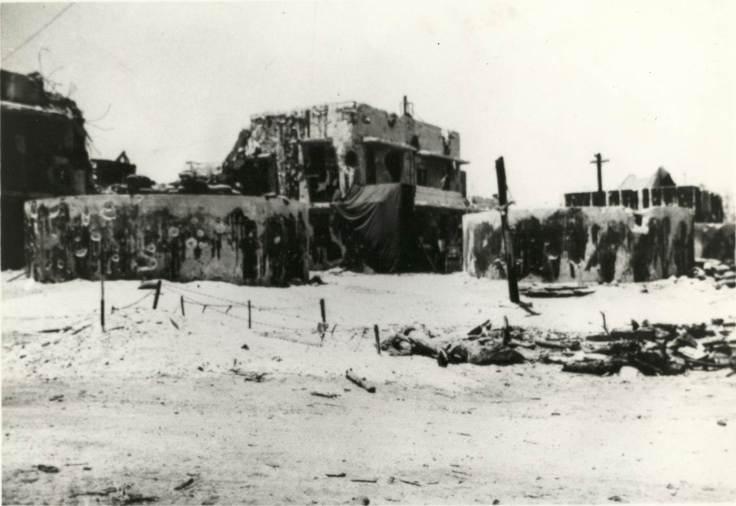 Kwaj 0001 - Japanese Defense Bunker, Kwajelin Atoll 1944x